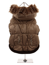 Luxury Quilted Parka with Detachable Hood - Introducing our premium range of quilted coats. This is a luxuriously quilted Parka Coat with a faux trimmed detachable hood. It gives your dog two styles in one; wear it as a parka or, when the hood is removed, it can be worn as a coat. The arms and hem are elasticated for a great fit. It fastens f...